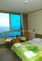 חדרים וסוויטות מול הים בנתניה