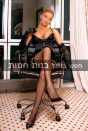 דוגמנית צעירה חדשה בתל אביב